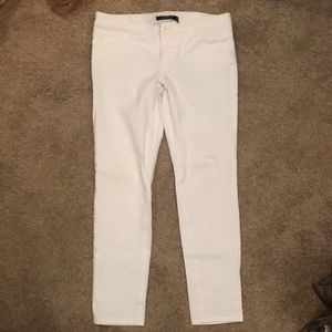 White 4P Lauren zip jeans. Super cute  stretchy